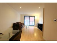2 bedroom flat in Westgate Apartments, Western Gateway, Canning Town