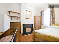 1 bedroom in Hawstead Road, Lewisham, London, Greater London, SE6