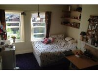 Large spacious double room in excellent location