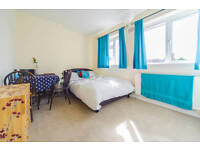 Spacious double room in shared house AVAILABLE MARCH 2017