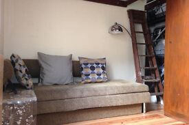 Short term to 20 Mar: Churchill Sq studio ALL INCLUSIVE 650pcm (weeks only at a time negotiable)