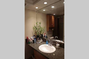Private Room in Fully Furnished Apartment in West End Downtown-West End Greater Vancouver Area image 4