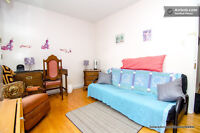 AVAILABLE Aug 01  .Bright, Large & Sunny 2 flr frnt furn Room