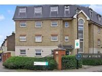 2 bedroom flat in Manor Park, London, E12 (2 bed)