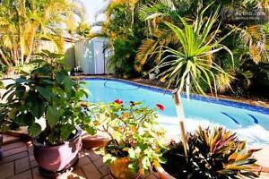 RoomAv Queen Bed Private Home with Pool F/F, A/C/Etc Coombabah Gold Coast North Preview