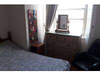Double Room and *Private Sitting Room* in Leith Available 24/04/17 - 14/07/17 ***Bills Included***