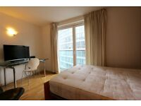 Studio flat in New Providence Wharf, Fairmount Avenue , Isle of Dogs