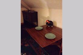 Cosy one bedroom top floor flat in central Bangor