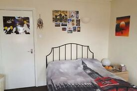 Bayswater / Hyde Park HUGE double bedroom to rent NOW