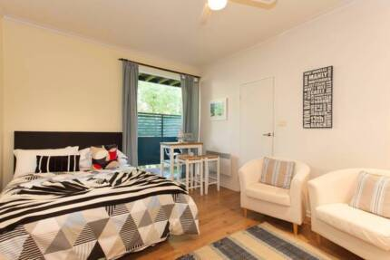 """Esplanade"" - Pearl Apartments $80 per night"