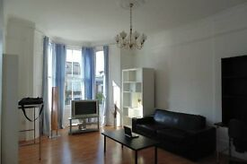 1 / 2 Bed Flat to Rent on Famous Lady Margaret Road Kentish Town NW5 in a Period Conversion