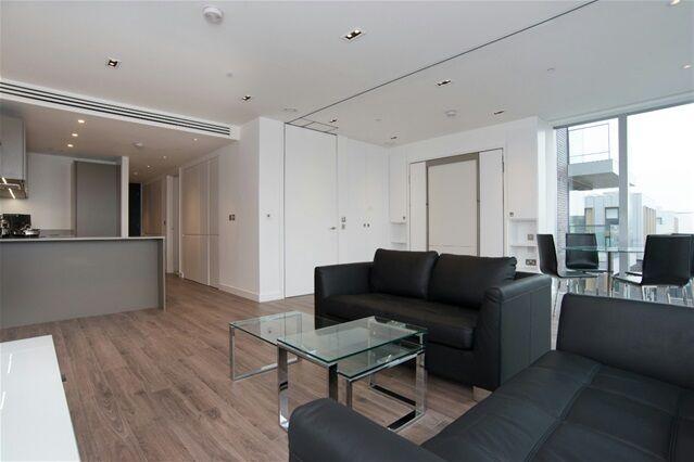 2 bedroom flat in Satin House, 37 Leman Street, Aldgate East