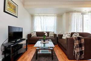 2 bed + den FURNISHED stacked townhouse in TORONTO. sleeps 8!