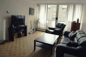 Private Room in Fully Furnished Apartment in West End Downtown-West End Greater Vancouver Area image 1