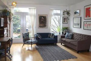 Furnished 2 bedroom Solar condo-(Metro, River, Atwater market)