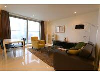 Studio flat in Pan Peninsula West, Pan Peninsula Square, Canary Wharf