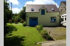 DETACHED 3 BEDROOM SPACIOUS COTTAGE - WORKING IN PEMBROKESHIRE - SHORT TERM LETS - PET FRIENDLY