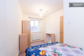 2 Modern double rooms in good location close to center and University and hospital. Start at £93p/w