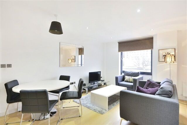1 bedroom flat in Lattice House, Alie Street, Aldgate