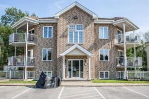 Beautiful 4 1/2 Condo in Vaudreuil for September 1st