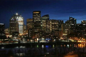 *WEEKLY MONTHLY*FULLY FURNISHED CONDOS*AMAZING DT VIEWS