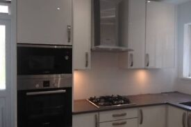 Double room available in a beautiful flat in Ealing Broadway