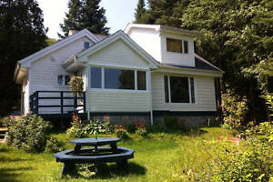 Lakefront Laurentian Cottage