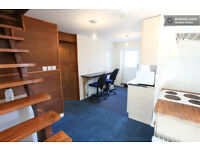 A SINGLE ROOM TO LET IN A TWO BEDROOM APARTMENT NEAR THE CENTRE, GLOUCESTER ROAD AND THE MOTORWAY.