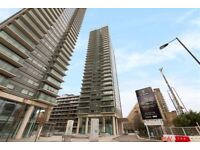 3 bedroom flat in The Landmark, West Tower, Canary Wharf