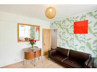 3 Bed Flat Waterloo - furnished