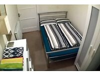 Double room in 2 bedroom flat available