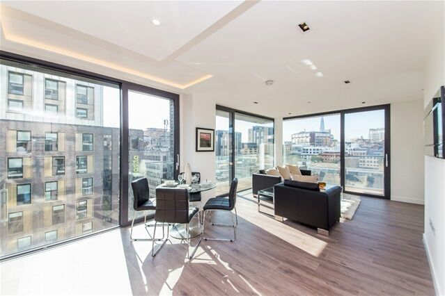 2 bedroom flat in Satin House, Leman Street, Tower Hill