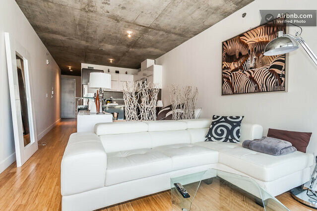 Luxurious Apartment Heart of Montreal - Central Location ...