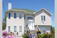 Enjoy ocean views from Prospect area home!