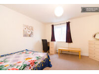 Pretty nice double modern room for £109p/w. Good location close to center and University.