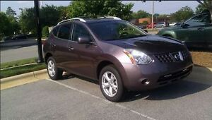 2010 Nissan Rogue SUV, mint condition !