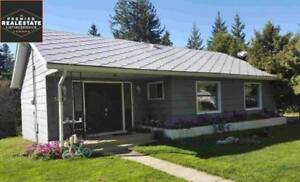 3 Bed 2 Bath House for Sale in Ponoka on Half an Acre in Town!