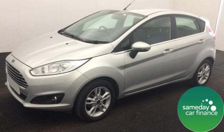ONLY £176.35 PER MONTH SILVER 2014 FORD FIESTA 1.2 ZETEC 5 DOOR PETROL MANUAL