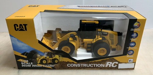 Diecast Masters 25003 Radio Control Caterpiller 950M Wheel Loader MIB/New