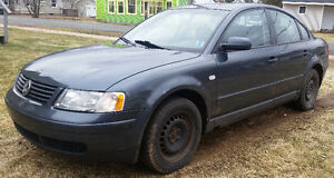 2000Volkswagen Passat with 8 tires and sunroof  /as is $1000 OBO