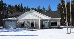 Beautiful 3 Bedroom Bungalow in Fall River Available April 1