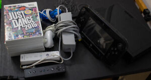 Wii U Console with 7 (free) games and 2 Wii Controllers