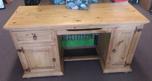Beautiful Handmade Pine Computer Desk- Priced to Clear!