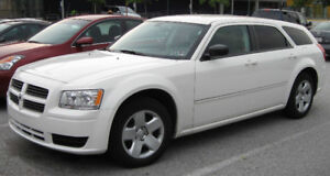 Searching for a 2008 white Dodge Magnum SXT Wagon