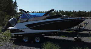 2018 Glastron GTD 220 Deck Boat *Special Fall Savings*