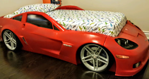 BOYS RACING CAR BED (STEP2 CORVETTE Z06)