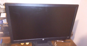 """25$ HP 20""""wide screen  monitor.  Cords included."""