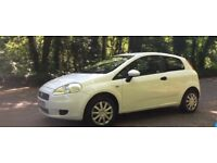 Fiat Grande 2009 Punto 1.4 Long MOT with no advisories. Recently serviced. White