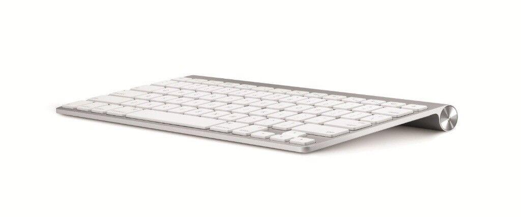 Apple Wireless Keyboard (Model A1314) - Good Condition,