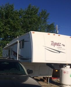 2005 28ft Topaz Touring Edition 5th Wheel